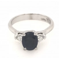 18ct White Gold Gem Stone Ring
