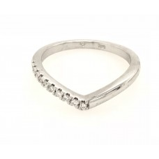 18ct White Gold Shimmering Victory Ring
